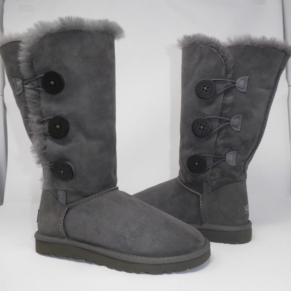 be3e9b7861f New UGG Bailey Button Triplet Boots